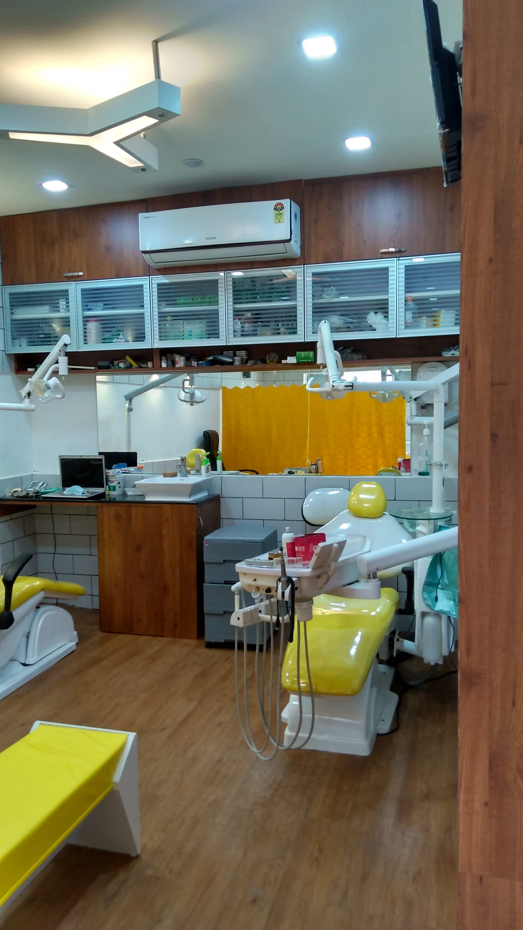 Dentists in Science City Road, Ahmedabad - Book Instant Appointment ...